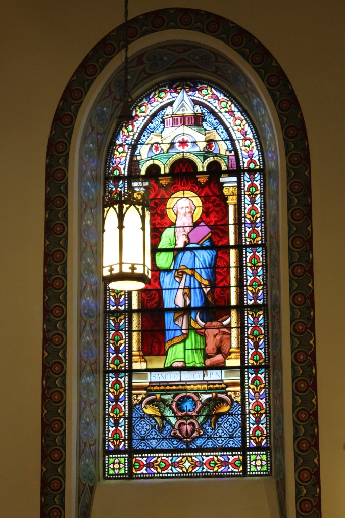 Stained glass depicting a Saint Luca