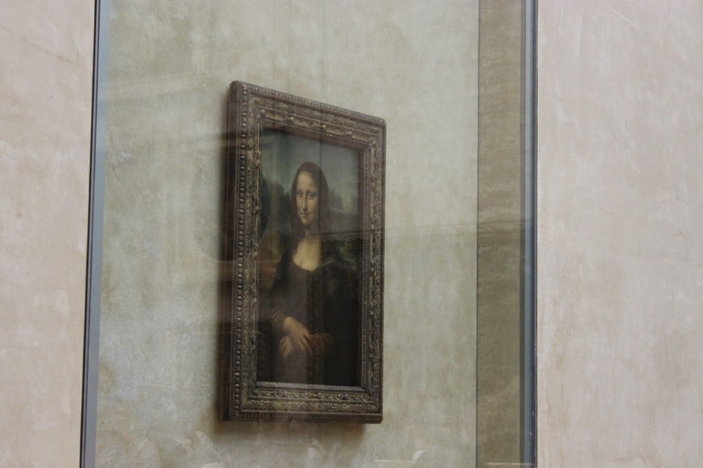 Mona Lisa painting behind security glass